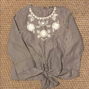 stripped shirt w/ embroidered detail and tie front
